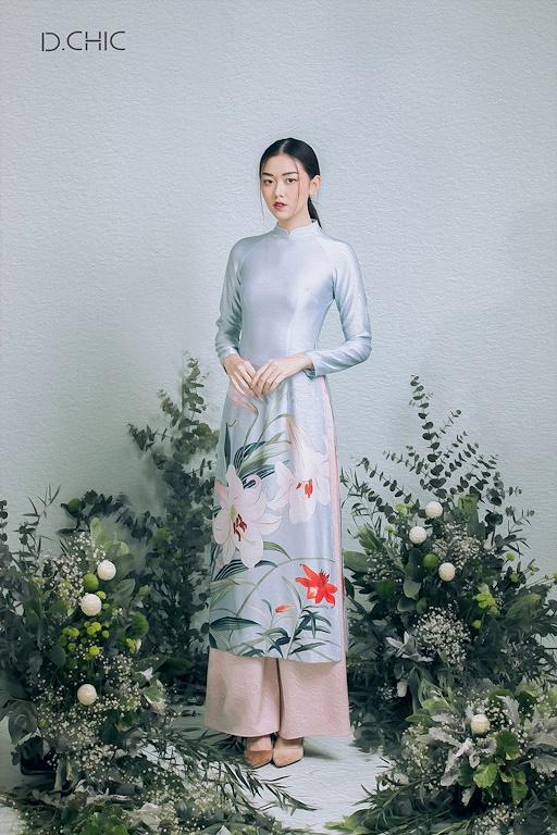 Áo dài truyền thống, họa tiết hoa ly