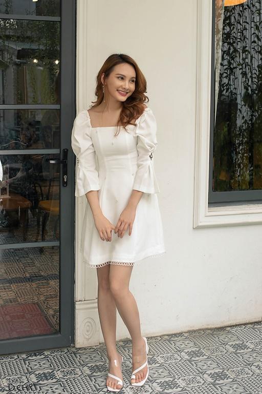 Váy cổ vuông vai chun đính hạt