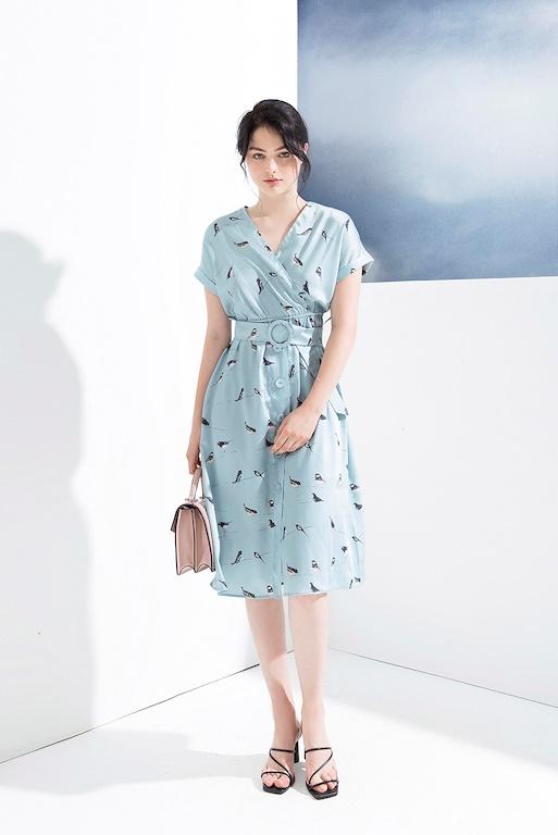 Váy cổ tim eo thắt đai tròn