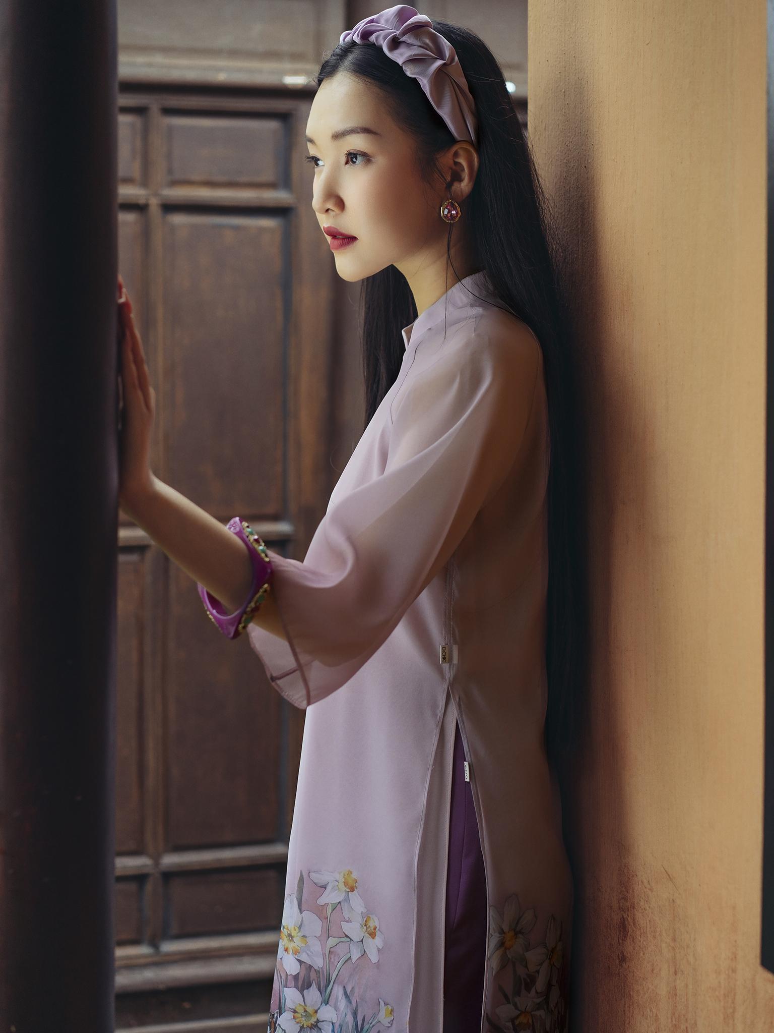 Áo Dài hoa thủy tiên tím