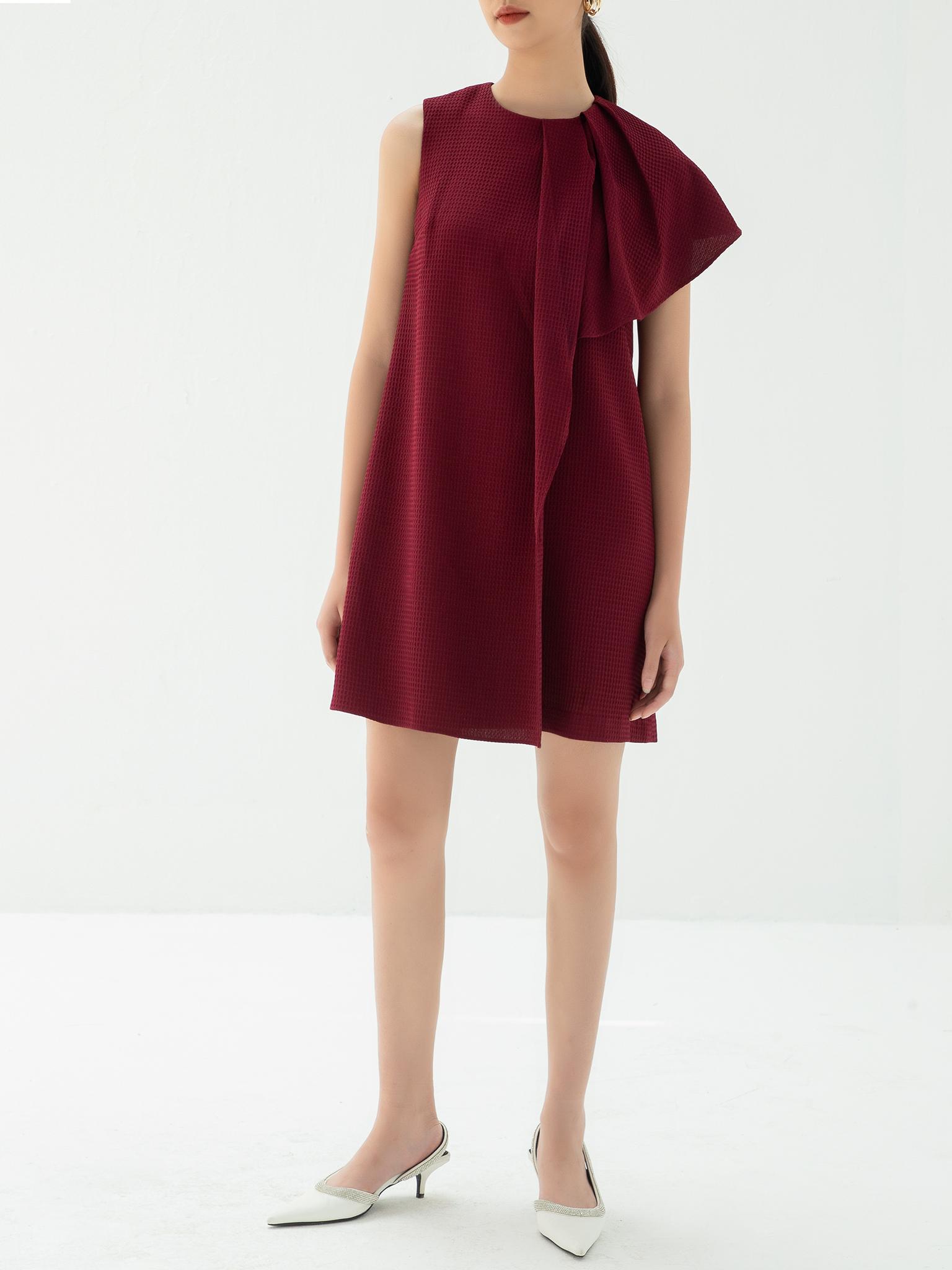 Đầm suông ngắn vai chờm xếp ly lệch 1 bên