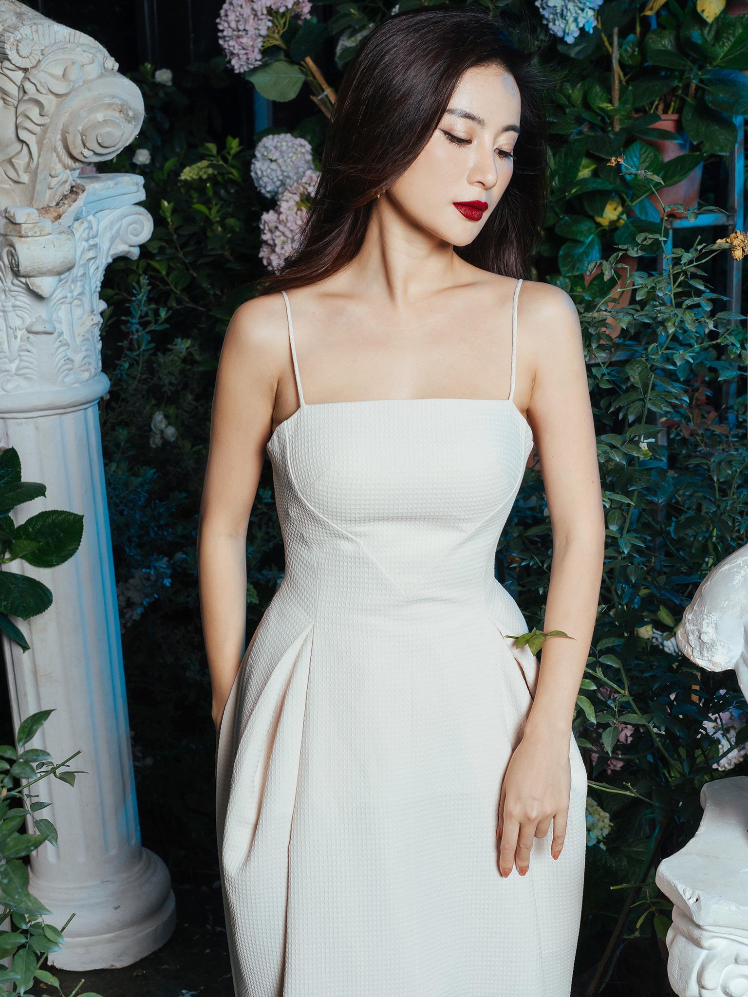 Váy 2D xòe bồng ngực can hình trái tim